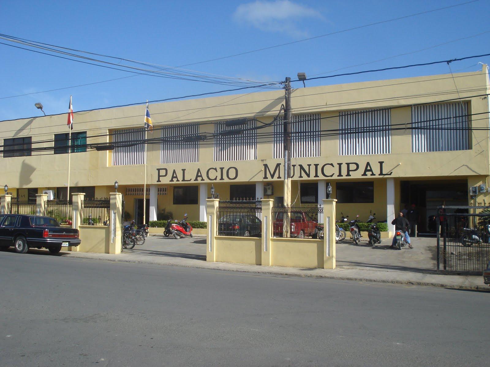 Ayuntamiento de Nagua entrega Centro Comunal San José de Villa